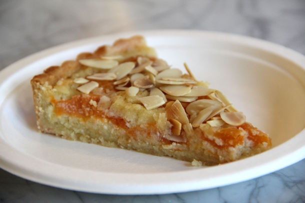 apricot and frangipane tart