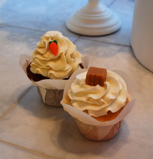 Carrot cupcake and vanilla caramel cupcake