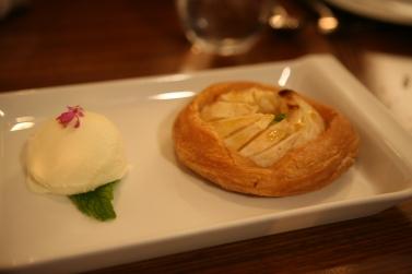 Apple pie special for dessert!